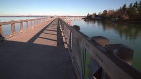 Σκούντημα Bellingham, Ουάσιγκτον, ΗΠΑ αποβαθρών πάρκων λεωφόρων 4k UHD