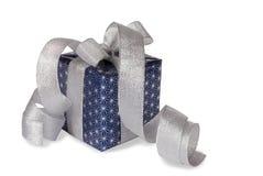 Σκούρο μπλε κιβώτιο δώρων Στοκ εικόνα με δικαίωμα ελεύθερης χρήσης