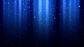 Σκούρο μπλε υπόβαθρο με τις ακτίνες του φωτός, σπινθηρίσματα, έναστρος ουρανός νύχτας ελεύθερη απεικόνιση δικαιώματος
