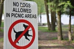 σκυλιά κανένα σημάδι Στοκ φωτογραφία με δικαίωμα ελεύθερης χρήσης
