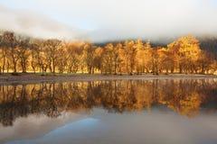 Σκωτσέζικη λίμνη στα ξημερώματα Πανόραμα φθινοπώρου στη λίμνη Lubnaig, Trossachs, Stirlingshire, Σκωτία, Χάιλαντς, Σκωτία, UK στοκ φωτογραφίες με δικαίωμα ελεύθερης χρήσης