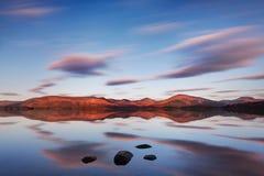 Σκωτσέζικη λίμνη στα ξημερώματα Πανόραμα φθινοπώρου στη λίμνη Lubnaig, Trossachs, Stirlingshire, Σκωτία, Χάιλαντς, Σκωτία UK στοκ φωτογραφίες με δικαίωμα ελεύθερης χρήσης