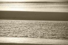 Σκωτσέζικο τοπίο με το νερό και την άμμο highlands Σκωτία στοκ εικόνες με δικαίωμα ελεύθερης χρήσης
