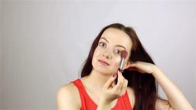 Σκόνη θυσάνων κοριτσιών απόθεμα βίντεο