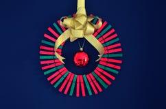 Σκόπελος Χριστουγέννων φιαγμένος από clothespins Στοκ εικόνα με δικαίωμα ελεύθερης χρήσης