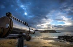 Σκόπευτρο στη έπαλξη Άγιος-Malo στοκ εικόνα