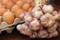 Σκόρδο και αυγά Στοκ εικόνες με δικαίωμα ελεύθερης χρήσης