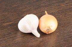 Σκόρδο και κρεμμύδι Στοκ φωτογραφίες με δικαίωμα ελεύθερης χρήσης