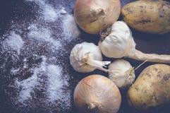 Σκόρδο, ένωση και πατάτα Στοκ εικόνα με δικαίωμα ελεύθερης χρήσης