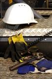 Σκληρή καπέλων διευθετήσιμη λεπτομέρεια κατασκευής γαντιών γαλλικών κλειδιών προστατευτική Στοκ φωτογραφία με δικαίωμα ελεύθερης χρήσης