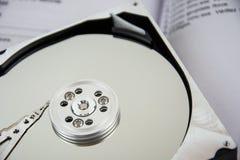 Σκληρός δίσκος και βιβλίο Στοκ φωτογραφία με δικαίωμα ελεύθερης χρήσης