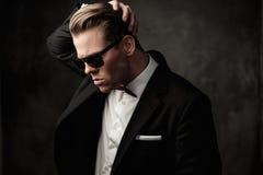 Σκληρό αιχμηρό ντυμένο άτομο Στοκ Φωτογραφία