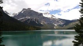 Σμάραγδος λιμνών στοκ εικόνα με δικαίωμα ελεύθερης χρήσης