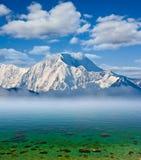 σμαραγδένια θάλασσα βουνών Στοκ φωτογραφία με δικαίωμα ελεύθερης χρήσης