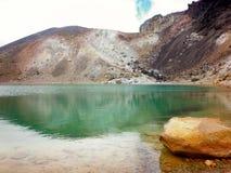 σμαραγδένιο tongariro Ζηλανδία πάρκων λιμνών εθνικό νέο Στοκ Εικόνες