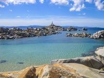 Σμαραγδένια θάλασσα του νησιού Lavezzi, Κορσική, Γαλλία Στοκ φωτογραφία με δικαίωμα ελεύθερης χρήσης