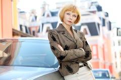 Σοβαρή νέα γυναίκα Στοκ Εικόνες