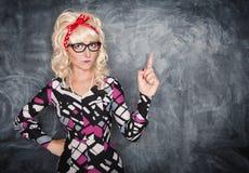 Σοβαρός αναδρομικός δάσκαλος στα γυαλιά Στοκ φωτογραφία με δικαίωμα ελεύθερης χρήσης