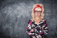 Σοβαρός αναδρομικός δάσκαλος στα γυαλιά Στοκ Φωτογραφία