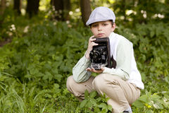 Σοβαρός αναδρομικός φωτογράφος Στοκ Φωτογραφίες