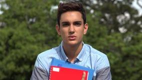 Σοβαρός αρσενικός ισπανικός έφηβος σπουδαστών απόθεμα βίντεο