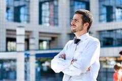 Σοβαρός επιχειρηματίας, υπαίθριος Στοκ Φωτογραφία