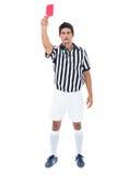 Σοβαρός διαιτητής που παρουσιάζει κόκκινη κάρτα Στοκ Φωτογραφία