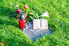 Σοβαρό νεκροταφείο χλόης Στοκ Φωτογραφίες