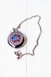 Σοβιετικά ρολόγια την ημέρα νίκης Σοβιετικό antiquarian ρολόι τσεπών στην αλυσίδα στην ημέρα νίκης με την εικόνα ενός αστεριού κα Στοκ Εικόνες