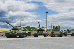 Σοβιετικές δεξαμενές - στρατιωτικός εξοπλισμός εκθεμάτων Στοκ εικόνα με δικαίωμα ελεύθερης χρήσης