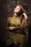 Σοβιετικός θηλυκός στρατιώτης σε ομοιόμορφο του Δεύτερου Παγκόσμιου Πολέμου Στοκ Φωτογραφία