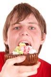 σοκολάτα κέικ που τρώει &ta Στοκ φωτογραφία με δικαίωμα ελεύθερης χρήσης