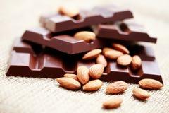 Σοκολάτα με τα αμύγδαλα Στοκ φωτογραφίες με δικαίωμα ελεύθερης χρήσης