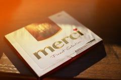 Σοκολάτα Merci - εμπορικό σήμα της καραμέλας σοκολάτας που κατασκευάζεται από τη γερμανική επιχείρηση Αύγουστος Storck, που πωλεί στοκ εικόνες με δικαίωμα ελεύθερης χρήσης