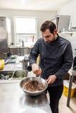 Σοκολάτα, αυγά και βούτυρο ήττας αρχιμαγείρων Στοκ Εικόνες