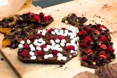 Σοκολάτα και μούρα Στοκ Εικόνες