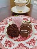 Σοκολάτα φραουλών που διακοσμείται στοκ εικόνες