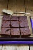 Σοκολάτα brownies σε έναν ξύλινο πίνακα Στοκ Φωτογραφία