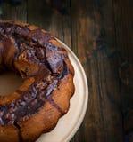 Σοκολάτα cupcake με την τήξη σοκολάτας Στοκ Εικόνες