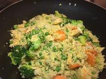 Σολομός και λαχανικό που μαγειρεύονται Στοκ Εικόνα