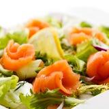 σολομός σαλάτας που κα&p Στοκ Εικόνα