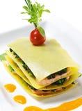 σολομός lasagna στοκ φωτογραφίες