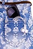 Σορτς τζιν παντελόνι τζιν Στοκ Εικόνες