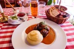 Σουηδικό κεφτές με την πολτοποιηίδα πατάτα Στοκ εικόνες με δικαίωμα ελεύθερης χρήσης