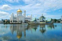 Σουλτάνος Omar Ali Saifuddien Mosque στο Μπρουνέι στοκ εικόνα