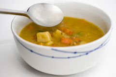 Σούπα κοτόπουλου με το κουτάλι Στοκ Εικόνα
