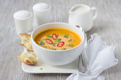 Σούπα κολοκύθας με το γάλα καρύδων Στοκ Φωτογραφίες