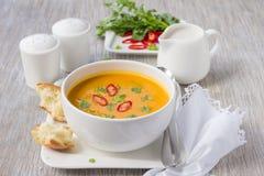 Σούπα κολοκύθας με το γάλα καρύδων Στοκ Εικόνες