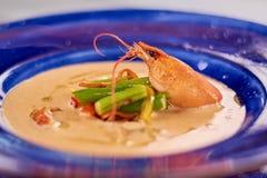 Σούπα κρέμας με τις ουρές και τα λαχανικά αστακών Στοκ φωτογραφίες με δικαίωμα ελεύθερης χρήσης