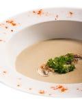 Σούπα κρέμας με popcorn, arugula στο λευκό Στοκ Εικόνες